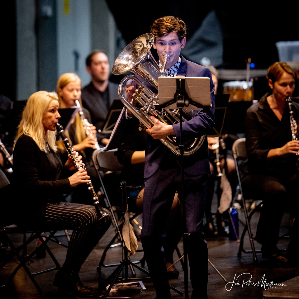 Tønsberg Janitsjarkorps - konsert på Støperiet Scene 1/11-20. Solist: Eivind Grøntvedt