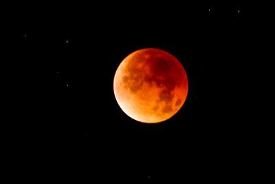 Blodig supermåne